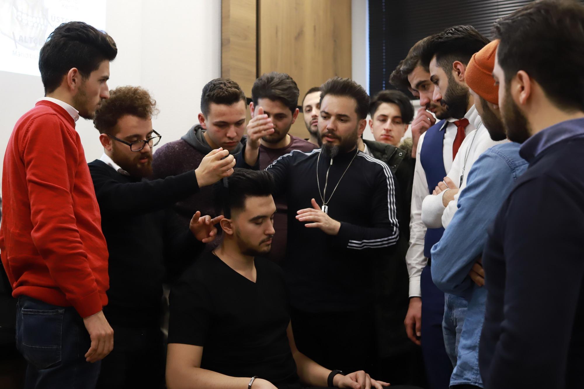 ALPEDA AKADEMİ'DE KADİR ALKAN İLE SAÇ KESİM EĞİTİMİ